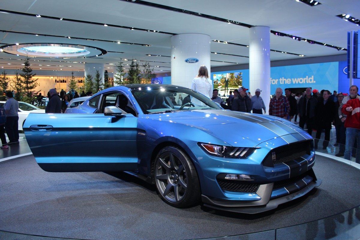 Ford Performance Offering Shelby GT350R Customers New Back Seat Package